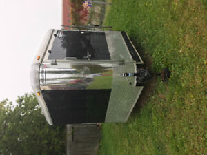 2010 21 ft enclosed utility trailer