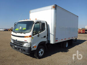 2010 HINO 155  16 ft Box Truck ,Exhaust is Missing 647-405-2007