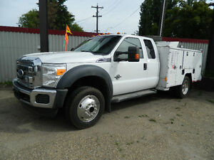 2011 FORD F550 4X4 DIESEL /SERVICE BODY READY TO GO INSPECTED Edmonton Edmonton Area image 1