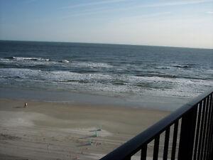 DAYTONA BEACH SHORES - 2 Bdrm Condo on the beach!
