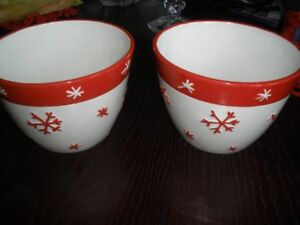 CHRISTMAS BOWLS, PLATES, COOKIE JAR, TEALIGHTS, SOAP DISPENSER