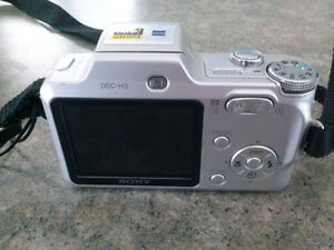 Sony Cyber-Shot 8MP Camera w/charger/strap