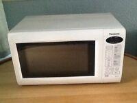 Panasonic 800 w microwave white