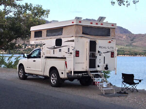 REDUCED. Palomino Real-lite Pop-up Camper