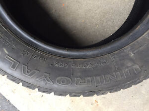 4 Uniroyal Tiger Paw Ice & Snow II Winter Tires Almost Brand NEW Kitchener / Waterloo Kitchener Area image 2