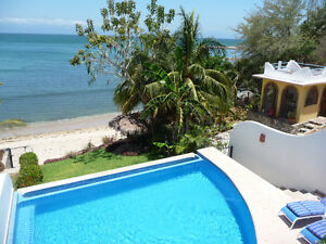 Beachfront Casa, Private Infiniti Pool, between La Cruz Bucerias