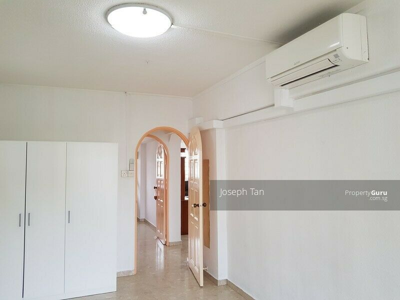 Yishun 08-101 - 302 - 1 spacious COMMON room for rent - available only for a month - from oct 17th.