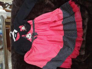 Cute Minnie  Mouse 2 piece set, size 5t excellent condition  $15
