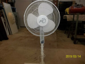 "16"" White Oscillating Stand Floor Fan"