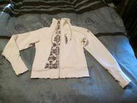 size 6-8 lulu sweater