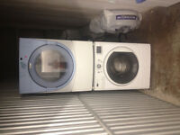 3-4yr old Stackable Washer dryer combo Maytag/Whirpool 27'