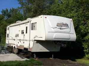 Fifth wheel 2007 Layton