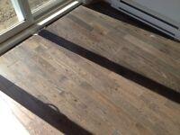 Plancher bois franc chêne rouge teint vernis