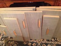 12 kitchen unit doors and 7 drawer fronts,