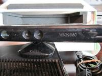 x box 360 plus kinect sensor/ capteur