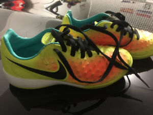 nike indoor soccer shoes size 2