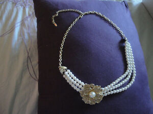 PEARL NECKLACE- BRAND NEW, COSTUME JEWELERY