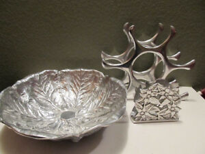 Wilton Armetale cabbage leaf bowl, napkin holer and wine holder.