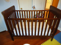 Graco Sarah Convertible Crib with Mattress