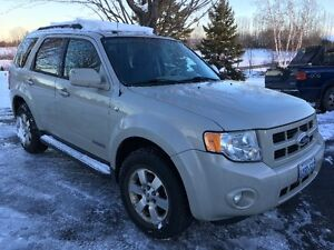 2008 Ford Escape Limited (the Luxury model) Cornwall Ontario image 2