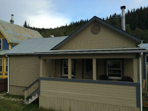 3 bedroom home with large heated garage in Dawson City!