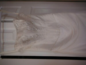 BEAUTIFUL WEDDING DRESS FOR SALE Campbell River Comox Valley Area image 8