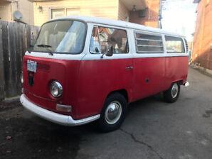 1968 Volkswagen Weekender Bus