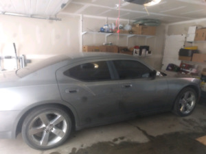 07 Dodge Charger in decent condition
