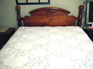 queen 4 post bed and box spring