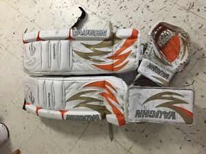 Vaughn velocity 30+2 pads and gloves