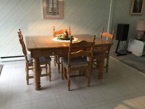 Table de cuisine en érable et autres