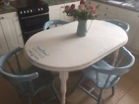 Kitchen/dining room table & 4 chairs