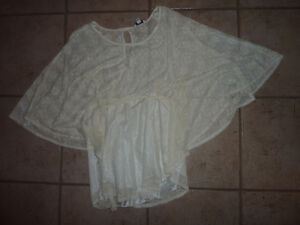 Ladies dress tops, size L and XL, excellent condition $ 10-$15 Kitchener / Waterloo Kitchener Area image 4