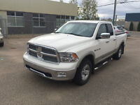 DODGE RAM LARAMIE 1500 CREWCAB***NAVIGATION/LEATHER/BLUETOOTH***
