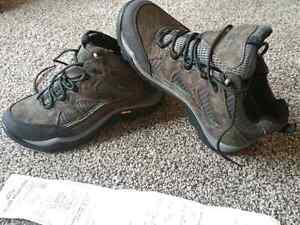 Kathmandu Hiking boots - Selling cheap (BRAND NEW)