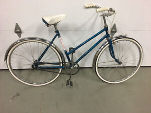 Vintage ladies RoadKing bicycle