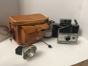 Vintage Polaroid 350 Land Camera with Travel Bag