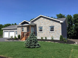 Country living and a short city commute..brand new bungalow!