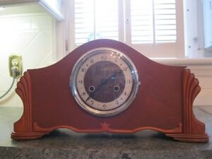Vintage Art Deco style Mantel clock Perivale Made in England