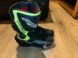 RST tractech evo boots size 8/42