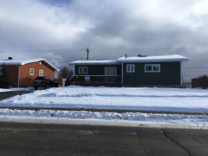 4 Bedroom, 1 Bath Well Maintained Bungalow!  206 Lakeside Drive