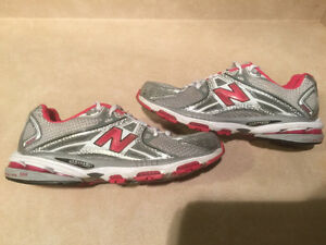 Women's New Balance Cabzorb FL Running Shoes Size 10 London Ontario image 4