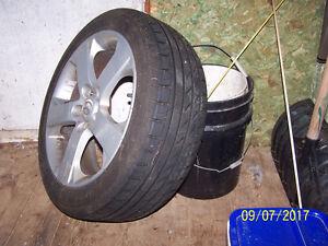 Mag de Mazda avec pneu Minerva vente rapide $300.00