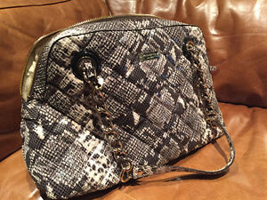 Authentic Brand New Leather Kate Spade Purse for Sale