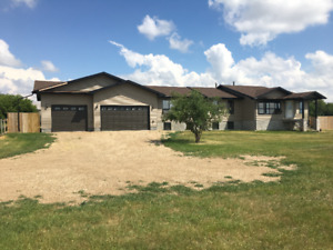 Roomate(s) Wanted to Share 4600 sq.ft Home on 65 Acre Ranch.
