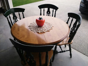 Solid Maple Table & 4 Chairs
