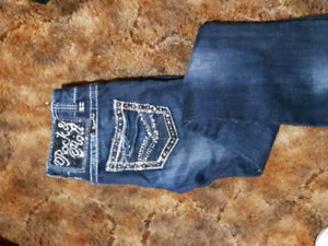 *REDUCED* ROCK N ROLL SIZE 24/32