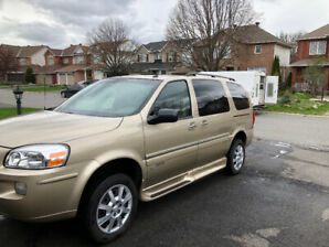 2006 VAN ACTION HANDICAPPED BUICK TERRAZA LOW MILES EXCELLENT