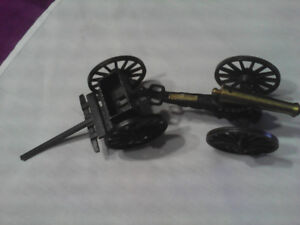 OLD CAST IRON CANON/TRAILER COLLECTIBLE