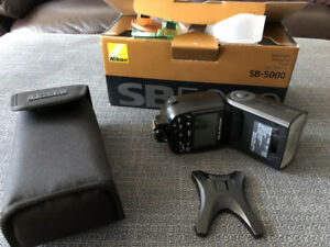 Nikon SB5000 Flash/Speedlight - Excellent condition, rarely used